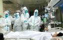 Video: Xúc động nhân viên y tế cổ vũ tinh thần bệnh nhân nhiễm virus corona