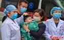 Video: Bé 4 tháng ra viện, trở thành bệnh nhân nhỏ tuổi nhất chiến thắng Covid-19