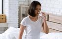 Uống 1 ngụm nước ấm mỗi buổi sáng ngừa đủ loại bệnh tật