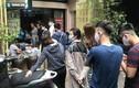 Quán bún đầy khách xếp hàng 'ăn chửi' giữa thời dịch Covid-19