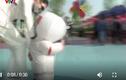 Video: Ông bố thiết kế bộ đồ 'phi hành gia' chống dịch cho con trai