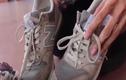 Video: Mẹo đánh bay mùi hôi giày cực đơn giản lại hiệu quả