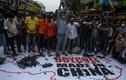 Ấn Độ chấp nhận thiệt hại kinh tế, quyết tẩy chay hàng Trung Quốc?