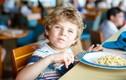 Mùa thu đừng cho trẻ ăn những thực phẩm hại sức khỏe này