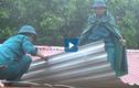 Video: Bộ đội giúp dân dựng nhà sau lũ