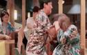"""Video: Trấn Thành """"nổi đóa"""", giật tóc Hari túi bụi"""