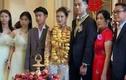 Đám cưới đi bằng trực thăng, cô dâu đeo vàng trĩu cổ