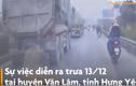 Video: Ôtô tải vượt ẩu, tông 2 người đi xe máy