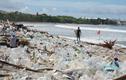 Bãi biển Bali bị chôn vùi trong rác thải nhựa