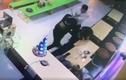 Video :Cảnh người phụ nữ bị hai thanh niên đánh đập