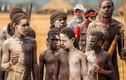 Những tập tục của bộ lạc biệt lập nhất thế giới