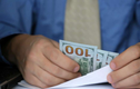 Năm 2020 đã khiến con người thay đổi cái nhìn về tiền bạc thế nào?