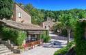 Khám phá ngôi làng Pháp hơn 55 triệu USD của tài tử Johnny Depp