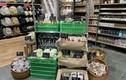 Tiệm bán hoa, hàng sửa điện thoại chuyển sang bán rau, bán cá
