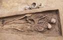 Mộ cổ lãng mạn nhất thế giới: cặp đôi ôm nhau suốt 1.600 năm