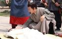 Người khỏe mạnh đột tử: Pháp quan dùng nước vôi vạch trần hung thủ