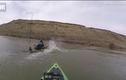 Video: Cá khủng nặng 1,3 tạ quẫy đuôi, suýt làm lật thuyền cần thủ