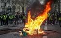 Video: Biểu tình tiếp tục nổ ra ở Pháp, hơn 700 người bị bắt giữ