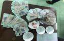 Xóc đĩa ăn tiền, 30 người bị bắt sau buổi tiệc tân gia