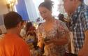 """""""Chợ đen"""" đô la hoạt động công khai ở Tân Sơn Nhất"""