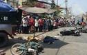 Kinh hoàng xe ben tông hàng loạt xe máy giữa Sài Gòn