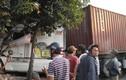 Container lao vào nhà, dân đang ngủ chạy tán loạn