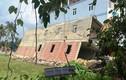 TP HCM: Nhà 2 tầng đang xây bất ngờ đổ sập, đè nhà 3 tầng