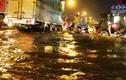 Gần 400 cảnh sát cứu hộ 1.400 phương tiện trong trận mưa lịch sử