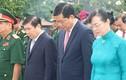 Bí thư TP HCM Đinh La Thăng viếng nghĩa trang thành phố