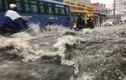 Ảnh: Sài Gòn vào mùa mưa, nhiều tuyến đường ngập nặng