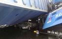 Ảnh: Kinh hoàng container đè bẹp xe buýt và xe máy ở Sài Gòn