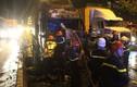 Đang lưu thông trên xa lộ Hà Nội, xe container phát nổ cháy trụi cabin