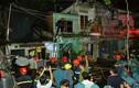 Hàng loạt căn nhà ven kênh bị thiêu rụi ngày cuối năm ở TP.HCM