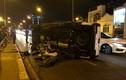 Ảnh: Tai nạn kinh hoàng ô tô húc người đi xe máy văng xuống cầu