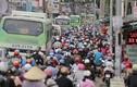 TP HCM: Hành khách la liệt, nhếch nhác tại bến xe Miền Đông