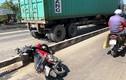 TP HCM: Xe container cán chết người đi xe máy