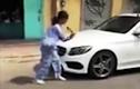 Tình tiết bất ngờ vụ cụ bà đập bể kính ôtô ở trung tâm quận 1