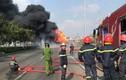 Xe bồn chở nhiên liệu cháy dữ dội ở cửa ngõ Sài Gòn