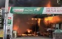 TP HCM: Cháy lớn ở gara, nhiều ô tô bị thiêu rụi