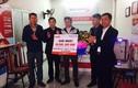 Khách hàng Hà Tĩnh tháo mặt nạ nhận giải thưởng vietlott giá trị lớn
