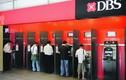 Người dùng thẻ ATM ở các nước có trả phí rút tiền không?
