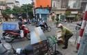 Người dân tất bật mua hàng tích trữ trước khi phong toả phường Văn Miếu
