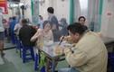Hà Nội: Quán phở đắt khách ngày đầu được mở bán ăn tại chỗ