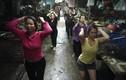 Video tập thể dục tại chợ Việt Nam lên báo Tây