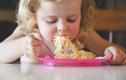 Cách ăn mì tôm để trẻ em không bị thiếu chất dinh dưỡng