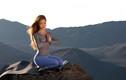 """Bí quyết giữ dáng nóng bỏng của """"nữ thần yoga"""" Michelle Lou Lan"""