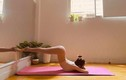 """Quần tập yoga """"mặc như không"""" của sao Việt gây hiểu nhầm tai hại"""