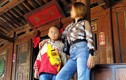 Cô gái mặc lố ở Chùa Cầu: Chuẩn chỉ trang phục viếng đền chùa như nào?