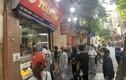 Cận Rằm tháng 8: Nơi xếp hàng chờ mua, nơi không bóng khách mua bánh