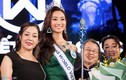 Mẹ hé lộ chuyện chẳng ngờ về tân Hoa hậu Lương Thùy Linh